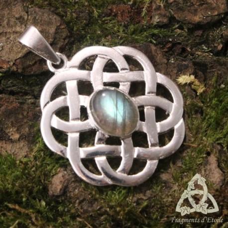 Pendentif médiéval et entrelacs celtiques en Argent massif et pierre Labradorite aux reflets bleu vert