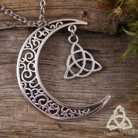 Collier médiéval croissant de Lune argenté et Triquetra celtique. Bijou féerique et magique fait-main.