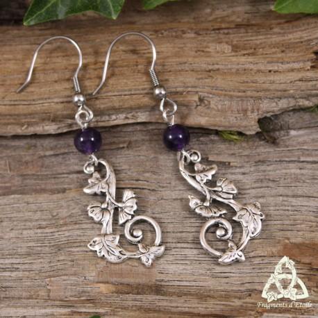 Boucles d'oreilles elfiques Art nouveau volutes végétales feuilles argentées et perle Améthyste violet foncé