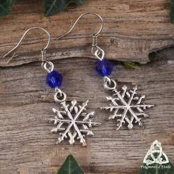 Boucles d'oreilles flocon de neige argenté et perle de verre bleu