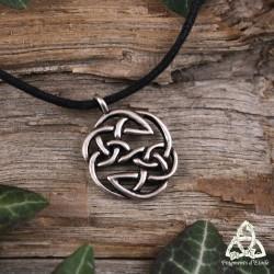 Collier médiéval mixte noeud celtique rond argenté et cordon noir
