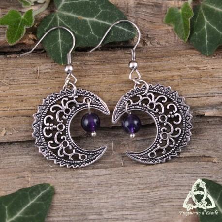 Boucles d'oreilles féeriques croissant de Lune volutes elfiques argenté ajouré médiéval celtique wicca et pierre Améthyste