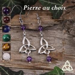 Boucles d'oreilles celtiques Triquetra symbole argenté et pierre fine ou pierre gemme naturelle. Bijou médiéval féerique.