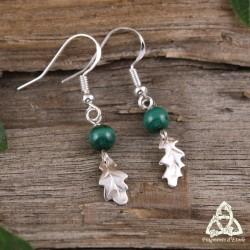 Boucles d'oreilles féeriques en Argent ornées de Feuilles de Chêne en et de Malachite naturelle vert foncé.