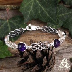 Bracelet médiéval en argent orné d'entrelacs celtiques et de cabochons ovales en Améthyste naturelle violette