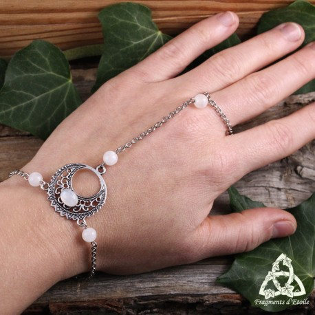 Bracelet de main médiéval féerique croissant de Lune argenté et Péristérite blanche (Pierre Lune arc-en-ciel)