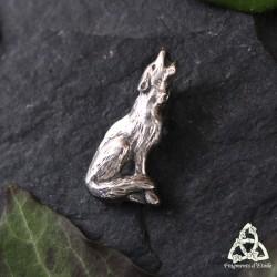Pendentif médiéval petit Loup d'Argent hurlant dans la nuit. Bijou de créateur fait-main.
