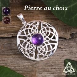 Pendentif médiéval rond et mixte en argent orné d'un noeud celtique et d'entrelacs infinis avec une pierre naturelle