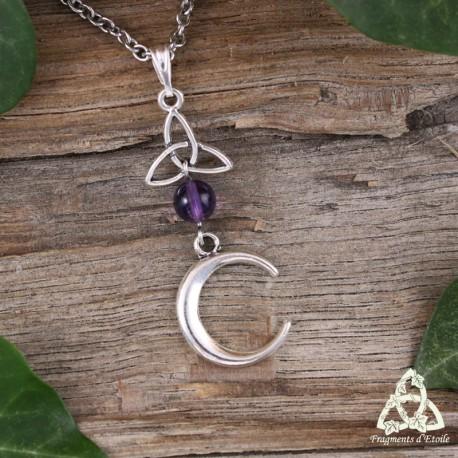 Collier médiéval croissant de lune ascendant argenté surmonté d'une triquetra celtique et d'une perle en Améthyste violette
