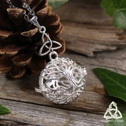 Collier celtique Arbre de Vie féerique boule argenté qui s'ouvre pour y mettre votre petit trésor. Bijou elfique fait-main.