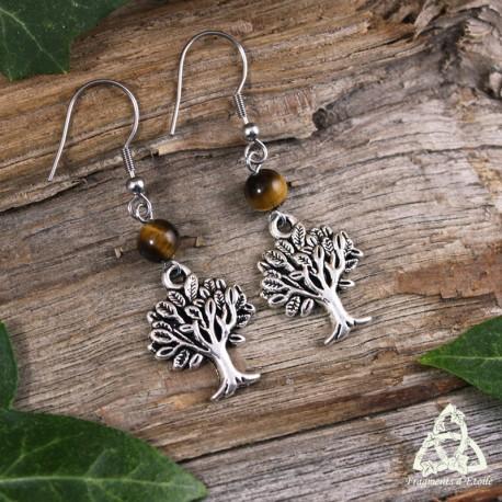 Boucles d'oreilles féeriques ornées  d'un Arbre argenté au beau feuillage surmonté d'une perle en Oeil de Tigre brun.