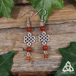 Boucles d'oreilles féeriques noeud de Siddhe entrelacs celtique argenté et perles de Cornaline